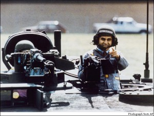 Michael_Dukakis_in_tank