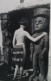 Nina hard a dance he meet 1921 during a short trip in Zurich with the two sculptures Adamd an Eve.